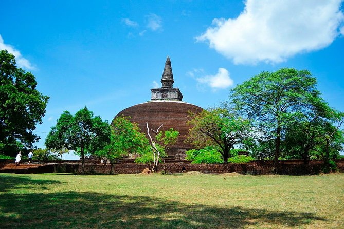 Private day tour to Anuradhapura from Negombo