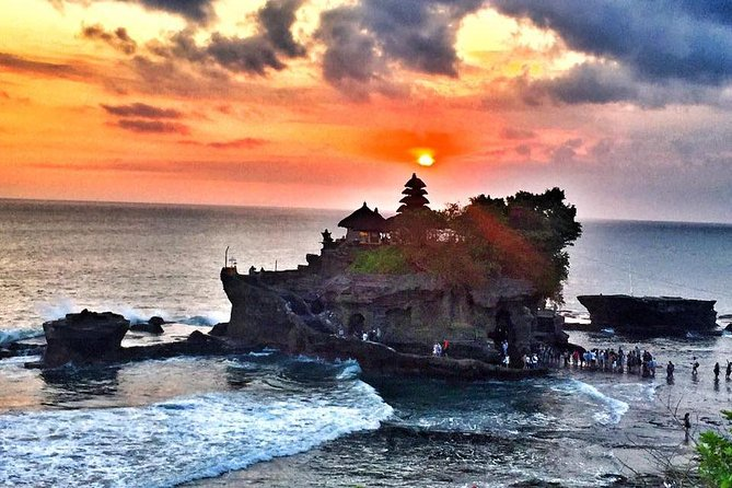 Tanah Lot Sunset and Monkey Forest Tour.
