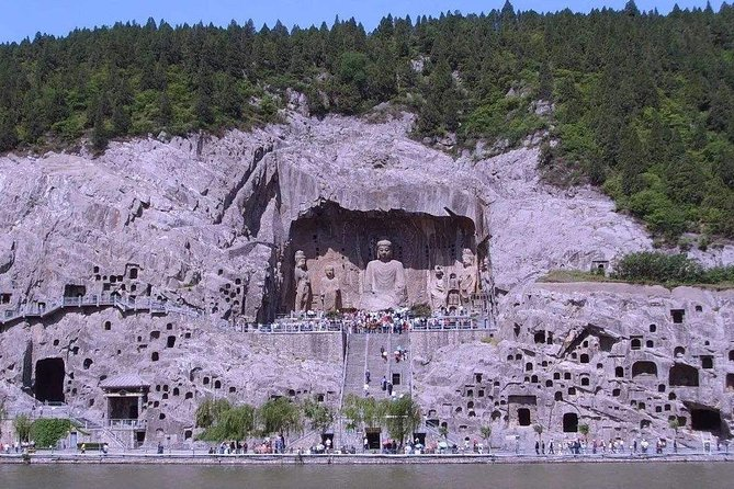 2-Day Private Tour from Chongqing with Hotel:Shaolin Temple and Longmen Grottoes