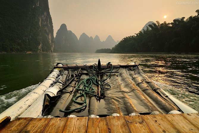 Guilin Small Group Tour – Li River Bamboo Rafting photo 1