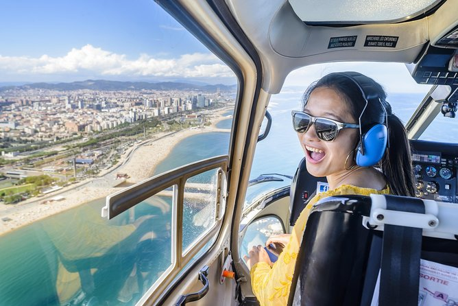 Barcelona Day & Night: Helicopter, Sailing & Montjuic Fountain Show