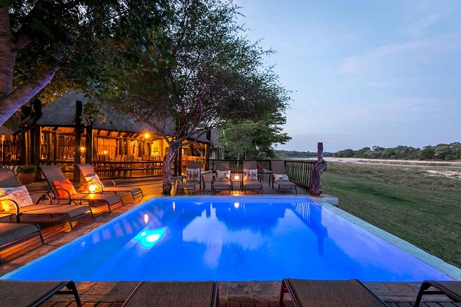Umkumbe Safari Lodge Poolside View