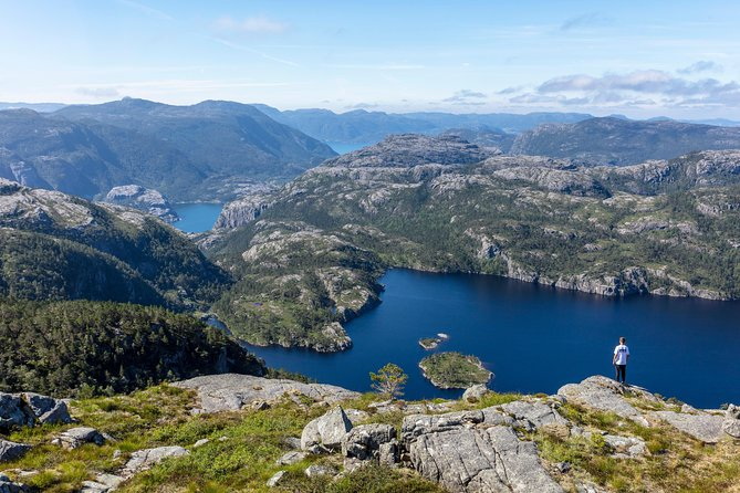 Preikestolen Guided Hike - Classic (May-Sept)