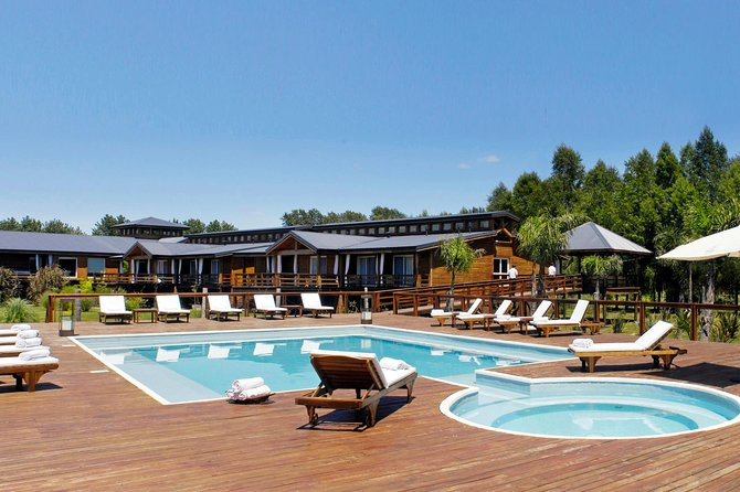 A New Way to Relax from the City in an Island at Tigre Delta