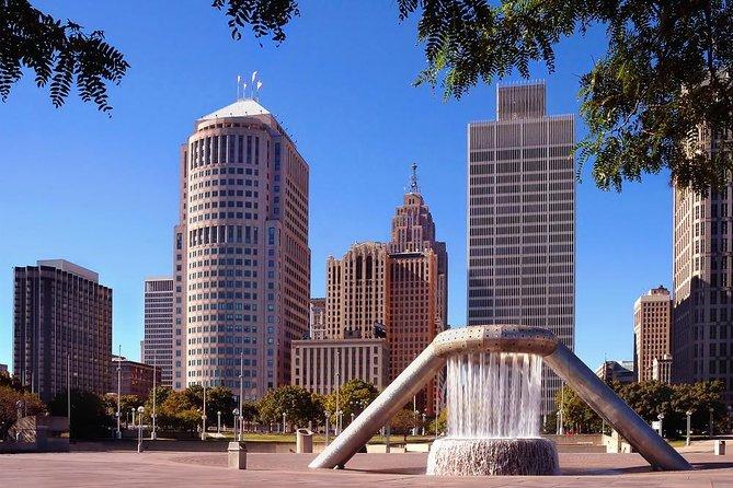 Detroit Scavenger Hunt: Roll Through Motor City