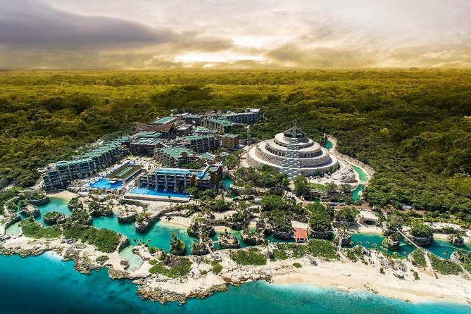 Xcaret Aquatic Theme Park Private Full Day Trip from Cancun by Minivan