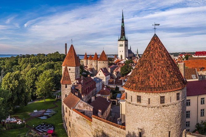 Premium history tour of Tallinn Old town and Estonia (attend and win 10000€) photo 4