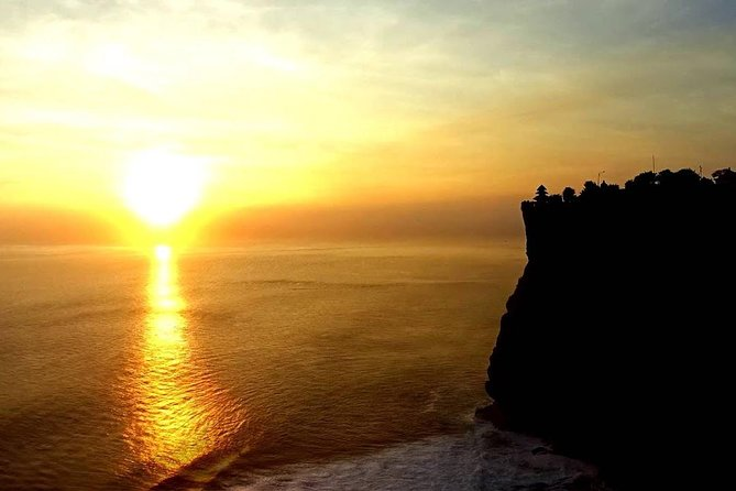 Amazing Half Day Uluwatu Sunset Trip with Jimbaran Seafood Dinner