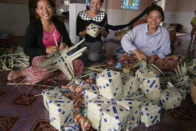 Palm Box Weaving Experience