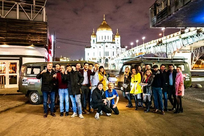 Moscow Night Tour: Pub crawl onboard a Soviet Minivan
