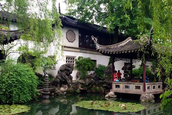 Full-Day Suzhou Gardens Private Tour with Local Guide photo 2