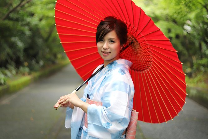 Yukata photoshoot in a traditional building from June to October