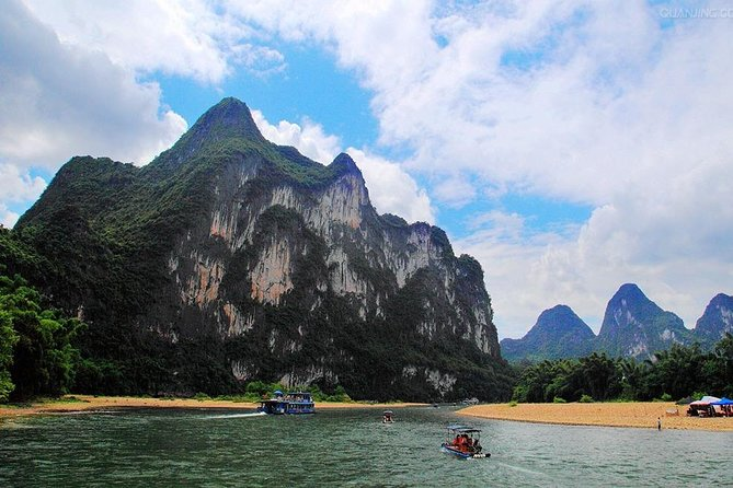 Guilin Small Group Tour – Li River Bamboo Rafting photo 4