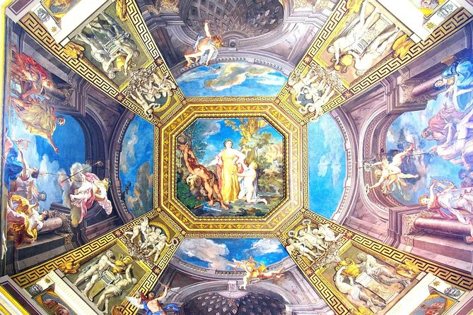 Group Tour of Vatican at Night -Vatican Museums and Sistine Chapel