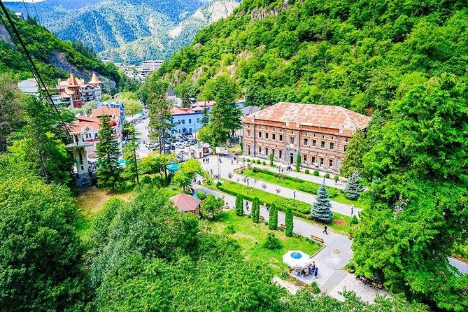 Full-day tour to Uplistsikhe and Borjomi from Tbilisi