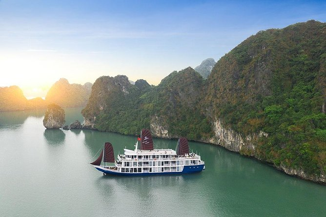 Madeline Cruise - Touch the sea in Ha Long Bay - Luxury 2 Days 1 Night Tour