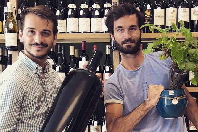Discovery of the Bordeaux vineyard in 3 wines at the two cellar brothers