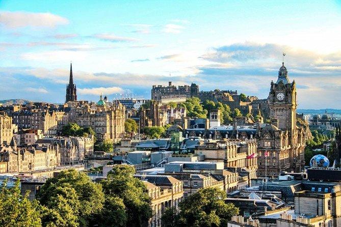 Edinburgh Scavenger Hunt: A Fairy Tale Capital