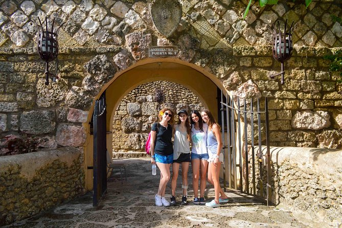 Catalina Island + Altos De Chavon - Full Day Excursion