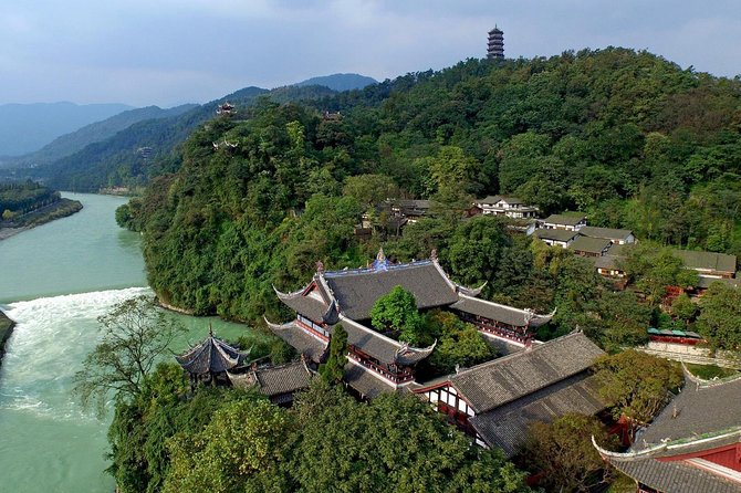 Chengdu Private Round Trip Transfer to Qingcheng Mountain and Dujiangyan