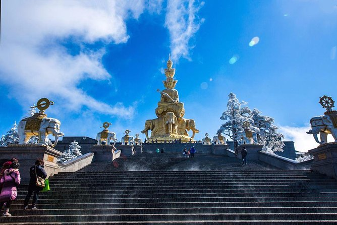 Chengdu Private Round Trip Transfer to Emei Mountain