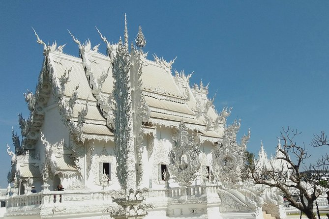 Chiang Mai Private Transfer To Wat Rong Khun Chiang Rai