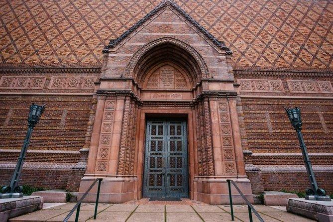 Eugene Scavenger Hunt: Waddle Around Campus