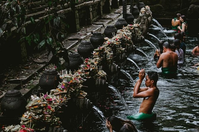 Ubud full day tour - Tirta Empul temple, Chocolate tasting and Waterfall