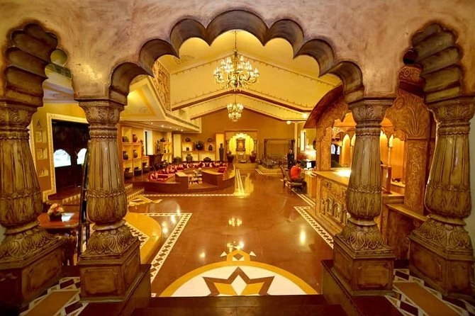 Evening Jaipur City Tour and Dinner at Chokhi Dhani Ethnic Village Restaurant