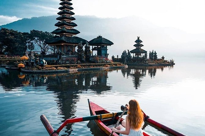 Tanah Lot Sonnenuntergang & Norden Bali Touren mit Deutschsprachigem Reiseleiter