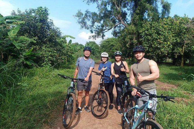 Phnom Penh Countryside Bike Tour and lunch with farmers