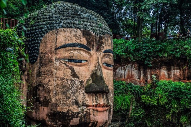 Chengdu One Day Trip from Xiamen by Air: Leshan Giant Buddha, Pandas and More