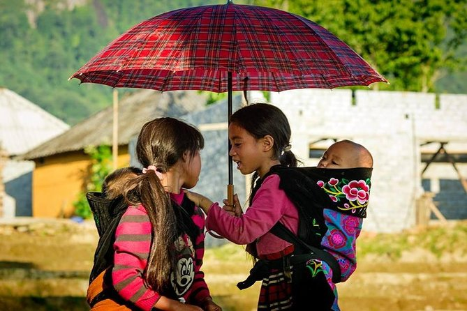 SAPA Trekking - Local Exerience With Ethnice Tourguide, Local House