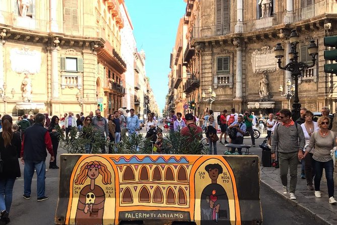 City Walk - Iconic Palermo