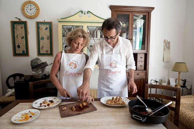 Private cooking class at a local's home with lunch or dinner in Praiano