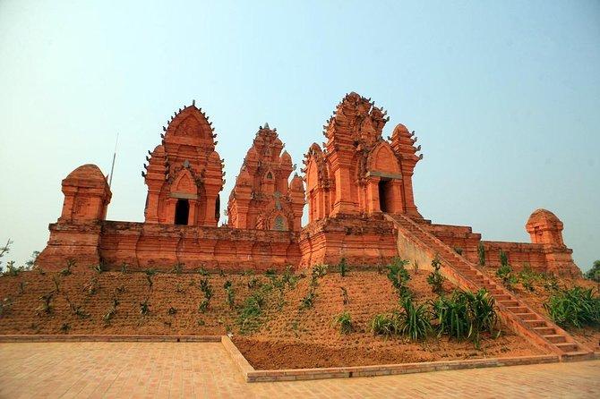54 ethnic groups cultural village - Duong Lam ancient village ( large group )