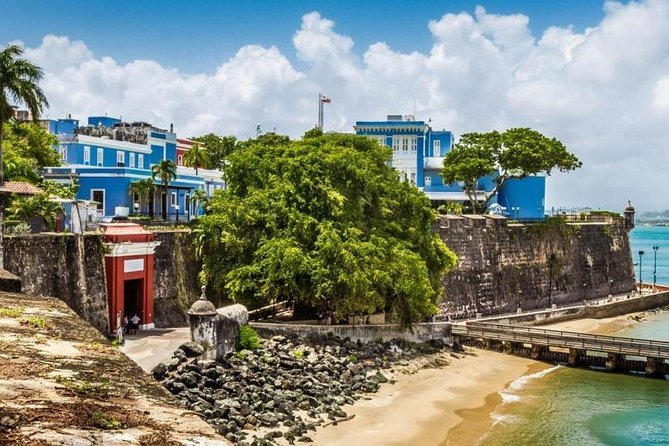 Let's Roam's Old San Juan Scavenger Hunt: Find the Fountain of Youth!