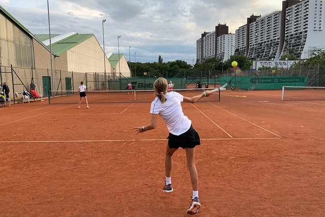 Play Friendly Tennis In Vienna