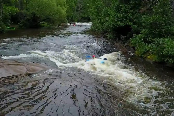 Whitewater Kayak Adventure over 80 rapids (Advanced) photo 7