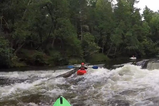 Whitewater Kayak Adventure over 80 rapids (Advanced) photo 9
