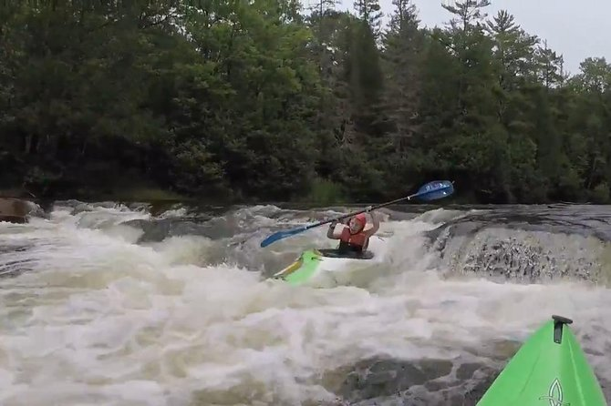 Whitewater Kayak Adventure over 80 rapids (Advanced) photo 11