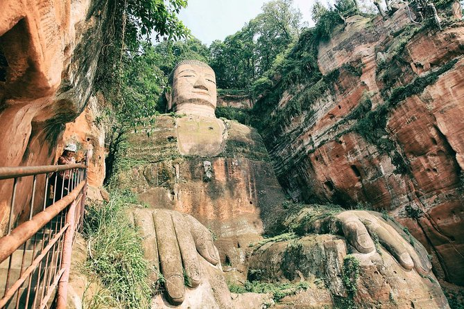 Chengdu Private Day Tour to the Leshan Giant Buddha and Huanglongxi Old Town