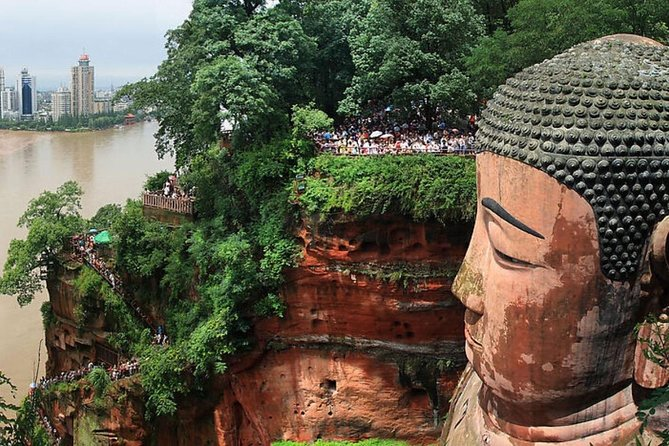 Chengdu in One Day from Nanjing by Air: Leshan Giant Buddha, Pandas and More