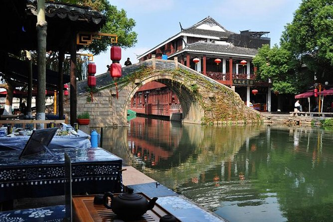 Visit Suzhou Garden and Water Town in One Day