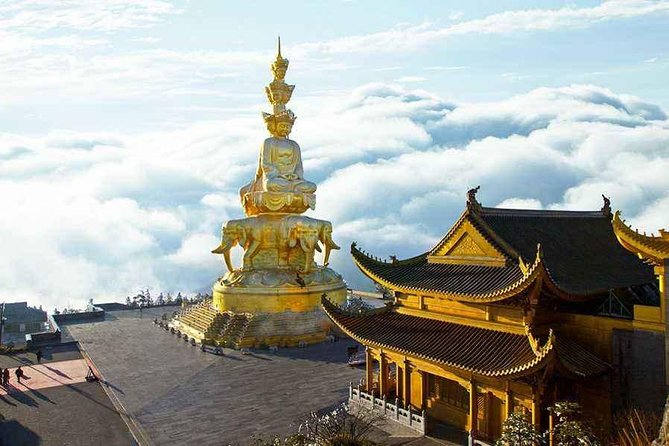 Round-Trip Private Transfer between Emei Shan and Chengdu City