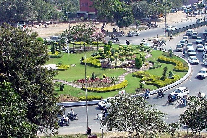 Delhi Chandigarh One Day Tour(8 Hour Tour)