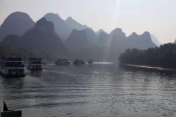 Guilin Highlights Private Day Tour with Li River Cruise photo 3