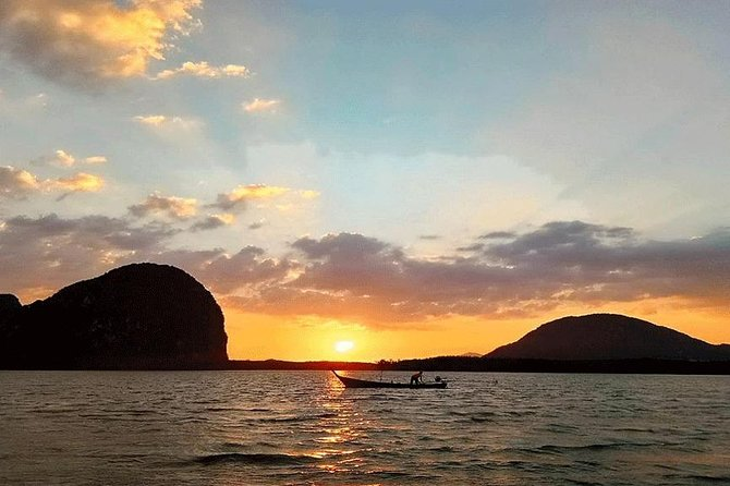 Luxury Sunset Cruise Seafood Dinner + Lobster from Phuket