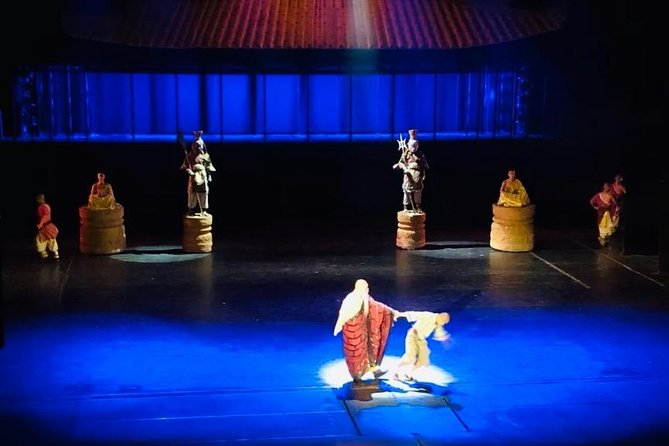 Private Evening Tour to Red Theatre Kung Fu Show with Peking Duck Dinner