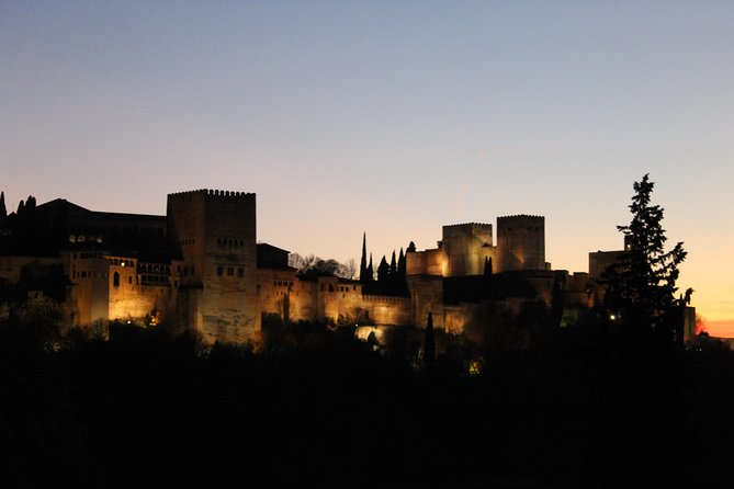 Albaicín Nights: Secrets and Legends